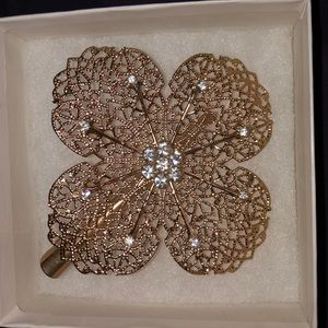 Accessories - Gold hair clip w/ crystals
